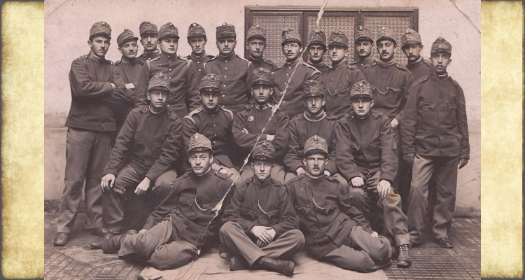 Group photo of Hugo Jellinek with his army unit in World War I
